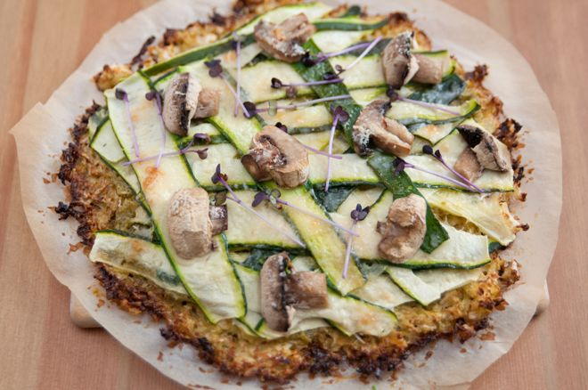 karfiolpizza gombaval es cukkinivel